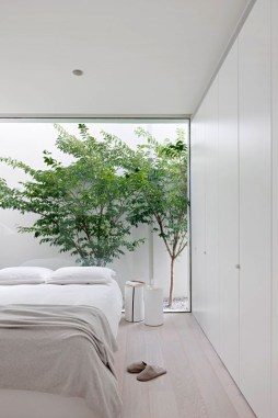 Minimalist But Beautiful White Bedroom Design Ideas 53