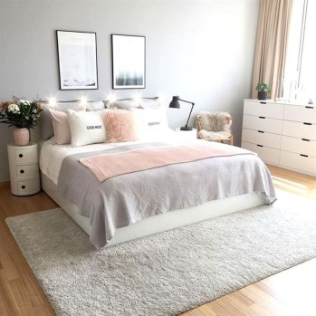 Minimalist But Beautiful White Bedroom Design Ideas 59