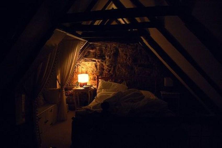 Modern And Romantic Bedroom Lighting Decor Ideas 22