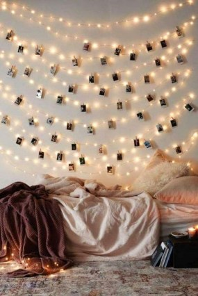 Simple And Easy DIY Winter Decor Ideas For Your Apartment 27