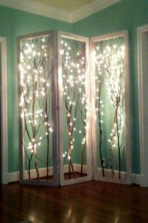 Simple And Easy DIY Winter Decor Ideas For Your Apartment 46