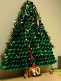 Stunning And Unique Recycled Christmas Tree Decoration Ideas 01