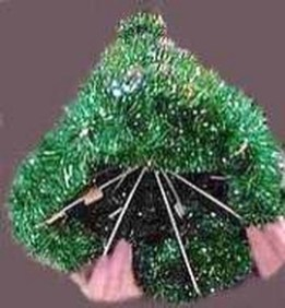 Stunning And Unique Recycled Christmas Tree Decoration Ideas 12
