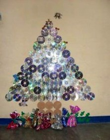 Stunning And Unique Recycled Christmas Tree Decoration Ideas 18