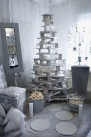 Stunning And Unique Recycled Christmas Tree Decoration Ideas 22