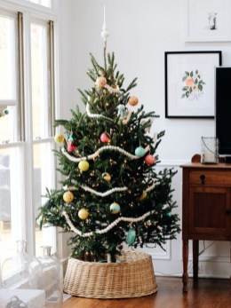 Stunning And Unique Recycled Christmas Tree Decoration Ideas 26