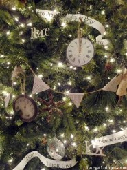 Stunning And Unique Recycled Christmas Tree Decoration Ideas 31