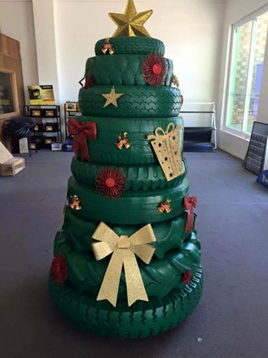 Stunning And Unique Recycled Christmas Tree Decoration Ideas 45