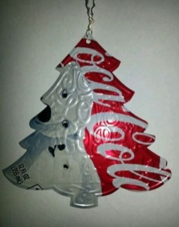 Stunning And Unique Recycled Christmas Tree Decoration Ideas 47