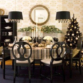 Totally Inspiring Black And Gold Christmas Decoration Ideas43