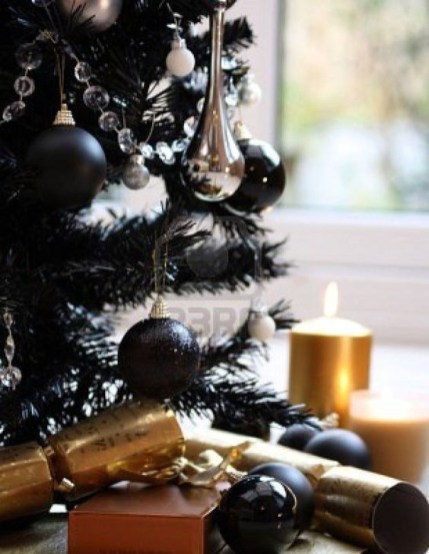 Totally Inspiring Black And Gold Christmas Decoration Ideas52