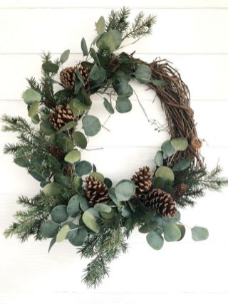 Unique Christmas Wreath Decoration Ideas For Your Front Door 18