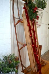 Welcoming Christmas Entryway Decoration For Your Home 11
