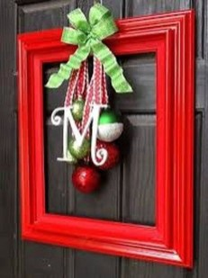 Welcoming Christmas Entryway Decoration For Your Home 47