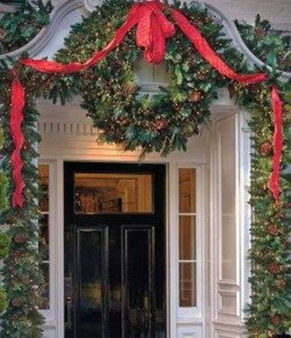 Welcoming Christmas Entryway Decoration For Your Home 60
