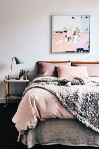 Adorable Bedroom Decoration Ideas For Winter 33
