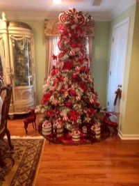 Awesome Red And White Christmas Tree Decoration Ideas 20