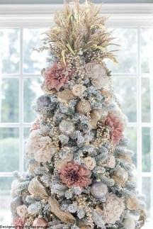 Beautiful Flower Christmas Decoration Ideas 27