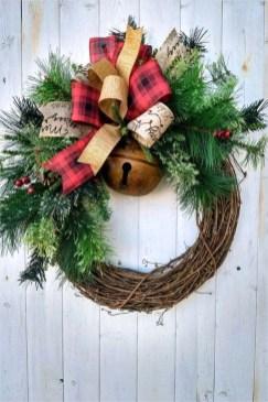 Brilliant DIY Christmas Wearth Decoration Ideas 34