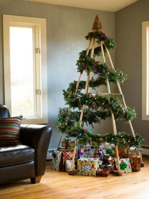 Charming Traditional Christmas Tree Decor Ideas 47