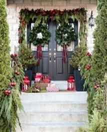 Cozy Outdoor Christmas Decoration Ideas 02