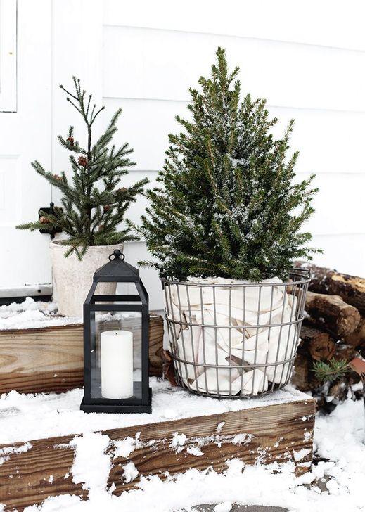 Cozy Outdoor Christmas Decoration Ideas 55