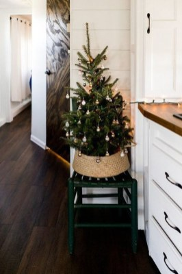 Creative RV Remodel Ideas For Christmas 23