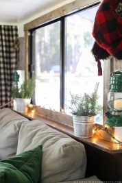 Creative RV Remodel Ideas For Christmas 33