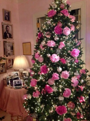 Cute Pink Christmas Tree Decoration Ideas You Will Totally Love 43