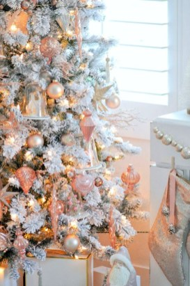 Cute Pink Christmas Tree Decoration Ideas You Will Totally Love 44