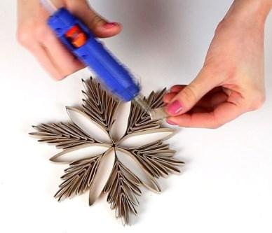 Easy DIY Christmas Ornaments Decoration Ideas 32