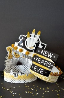 Easy DIY New Years Eve Party Decor Ideas 32