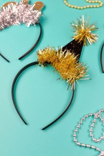 Easy DIY New Years Eve Party Decor Ideas 37
