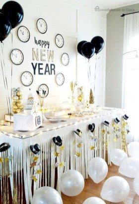 Easy DIY New Years Eve Party Decor Ideas 43