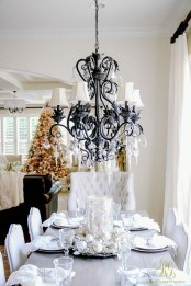 Eye Catching Kitchen Table Christmas Decoration Ideas 20