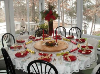 Eye Catching Kitchen Table Christmas Decoration Ideas 29