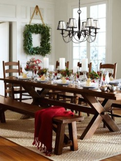 Eye Catching Kitchen Table Christmas Decoration Ideas 38