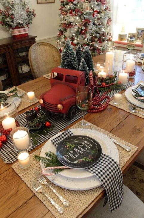 Eye Catching Kitchen Table Christmas Decoration Ideas 39
