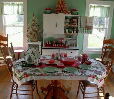 Eye Catching Kitchen Table Christmas Decoration Ideas 46