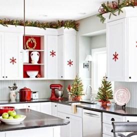 Fabulous Kitchen Christmas Decoration Ideas 05