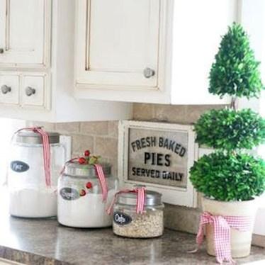 Fabulous Kitchen Christmas Decoration Ideas 33