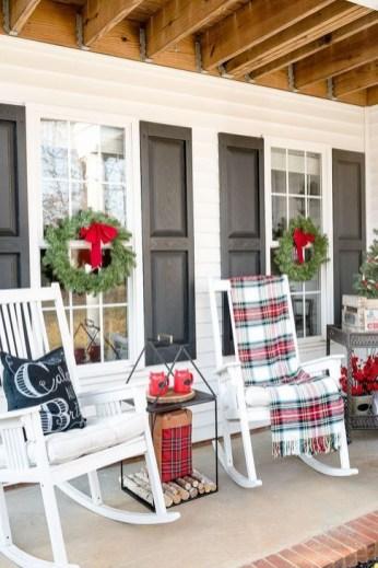 Favorite Christmas Porch Decoration Ideas 46