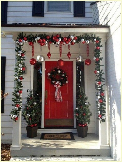 Favorite Christmas Porch Decoration Ideas 47
