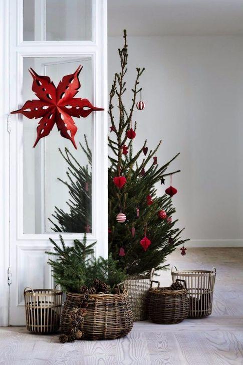 Gorgeous Farmhouse Christmas Tree Decoration Ideas 02
