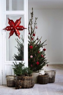 Gorgeous Farmhouse Christmas Tree Decoration Ideas 02