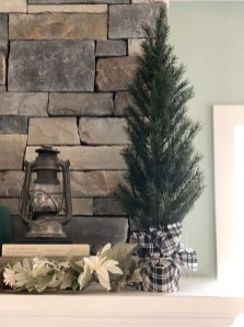 Gorgeous Farmhouse Christmas Tree Decoration Ideas 13