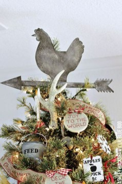Gorgeous Farmhouse Christmas Tree Decoration Ideas 16