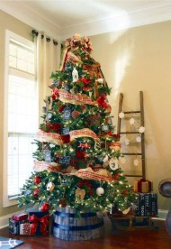 Gorgeous Farmhouse Christmas Tree Decoration Ideas 31