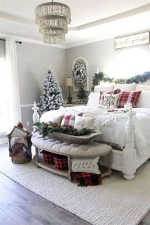 Gorgeous Farmhouse Christmas Tree Decoration Ideas 38