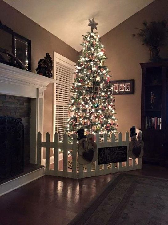 Gorgeous Farmhouse Christmas Tree Decoration Ideas 45